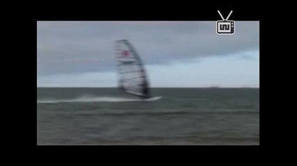 Speed windsurfing :}
