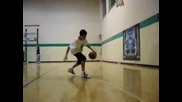 Близнаци Играят Баскетбол