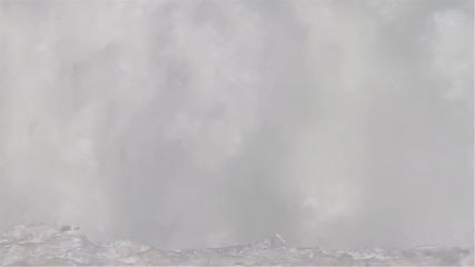 Сърфиране на огромни вълни в Пуерто Ескондидо