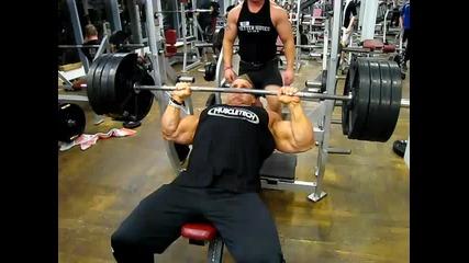 Тренировката на Jay Cutler за гърди