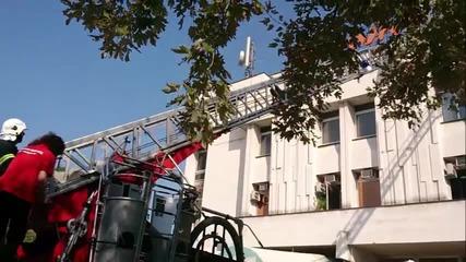 Демонстрация на евакуация на пострадал от висока сграда