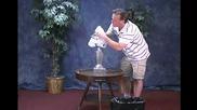 Фокуси - Sean Bogunia Performing Lamp Trick