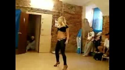 i am dancing - Kristina