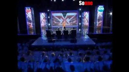 Тази жена дигна на крака цялото жури... X - Factor