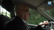 100годишен дядо кара кола