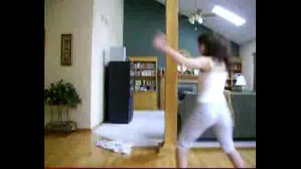 Тъпи Момичета Танцуват