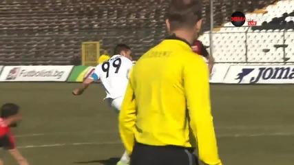 Радослав Василев вкара 2 гола за 3 минути на Локо Пд