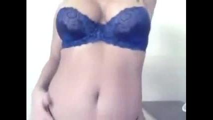 Перфектните Секси момиче - Sexy strip tease!