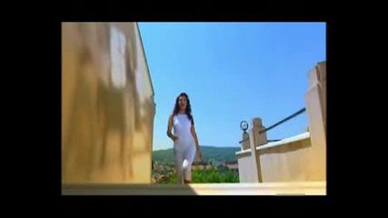 Ebru Yasar - Seni Anan Benim Icin Dogurmus