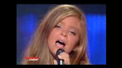 Момиче разплака света с таланта си !