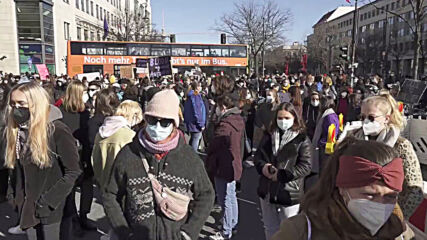 Germany: Berliners march through city in support of International Women's Day