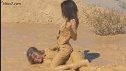 Секси борба ღ женски бой в кал