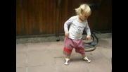 Задръстено Хоро, Луд Танц
