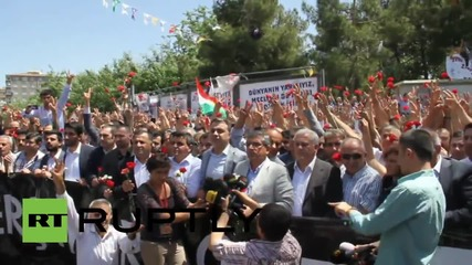 Turkey: Kurds mourn victims of HDP pre-election bombings in Diayarbakir