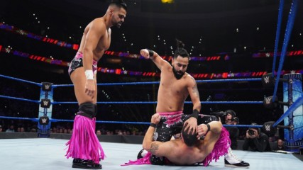 The Singh Brothers vs. Tim Gange – 24/7 Title Match: WWE 205 Live, Nov. 15, 2019