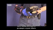 K-ръкавица - хора ползват ръкавицата за космически робот