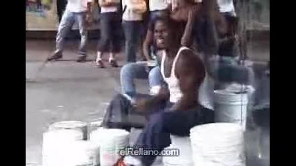 Уличен барабанист