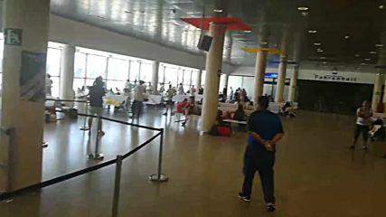 """Бетстващи българи на летище """"Кастелон"""", Испания"""