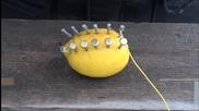 Как да запалим огън с лимон