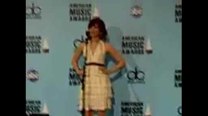 Demi Lovato In Ama Press Room.avi