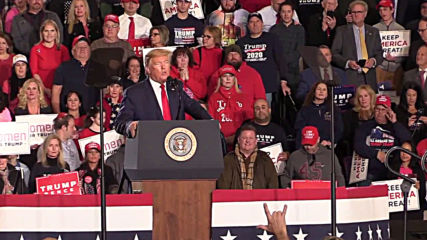 USA: Trump lashes out at 'impeachment hoax' at New Jersey rally