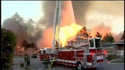 Адска експлозия в Сан Бруно (предградие на Сан Франциско) унищожава над 50 къщи
