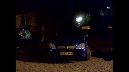 Интересно мигащи фарове на Mercedes