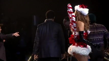 Bruno Mars - Locked Out Of Heaven at Victoria s Secret Fashion Show 2012