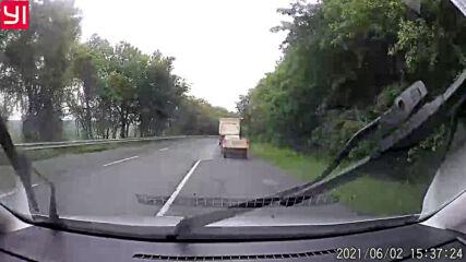 Убиец на пътя с товарен камион