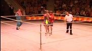 Бокс срещу кенгуру в руски цирк.