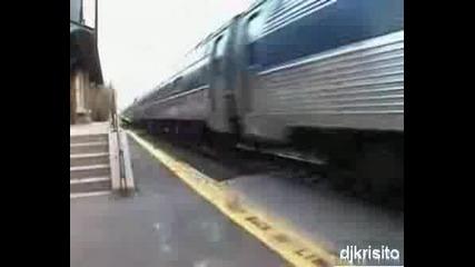 Влак Блъска Човек С 250км