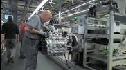 Кадри разкриват поточната линия за сглобяване на двигатели на легендарното