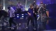 Justin Bieber - Baby najivo pri Jay Leno