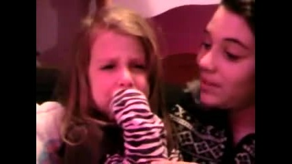 3 Year old crying over Justin Bieber