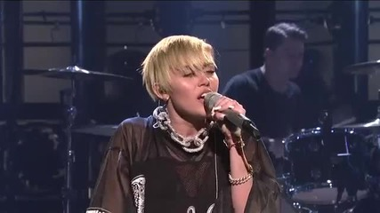П Р Е М И Е Р А Miley Cyrus - Wrecking Ball (live On Snl)