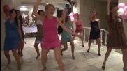 Горещ танц с мацки на руска сватба