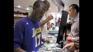 Ray J Visits Avianne & Co. Jewelers To Pick Up A Black Diamond Ring [user Submitted]