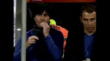 Вижте какво хапна Йоги Льов по време на мача с Англия