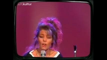 Сандра - Спри за минута - парад 1987