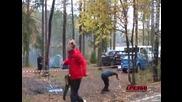 Вижте как се сече дърво в Русия!