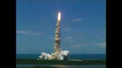 Ефектно изстрелване на космическа совалка