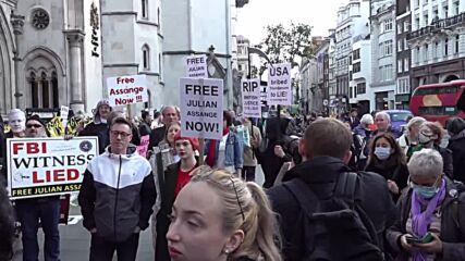 UK: Assange's partner, Hrafnsson and Jeremy Corbyn arrive at London court for hearing