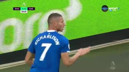 Евертън с първи гол в ерата на Големия Дънк