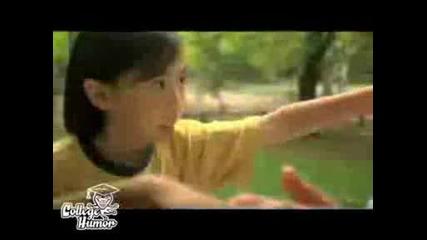 Дете Ражда С... Ръцете Си!!!