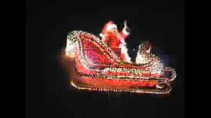 Дядо Коледа Лети Със Шейната - Marsi Marsiano.wmv