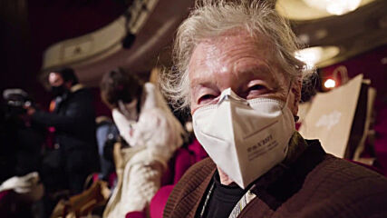 Spain: Elderly people vaccinated against COVID-19 attend theatre show in Madrid