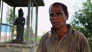 Indian ragpicker erects statue of himself to honour his life journey
