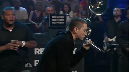 Eminem - Won't Back Down ft. The Roots (live) (hd)