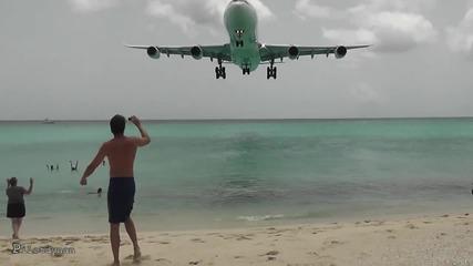 На едно място плаж и летище!