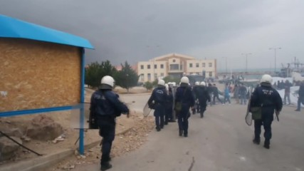 Greece: NGO container set on fire at Souda refugee camp